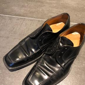 Lækre sorte Hugo Boss med lædersål