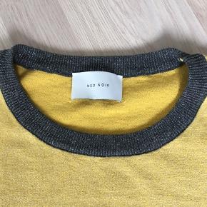 Super fin bluse i str xl. Svarer nærmere til str L. Fejler ikke noget overhovedet. Købt sidste år og ikke brugt meget.  Fra ikke rygerhjem