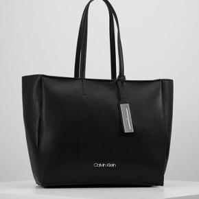 Calvin Klein skuldertaske