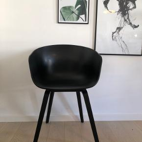 HAY AAC22 ABOUT A CHAIR BLACK STAINED OAK VENEER/BLACK SHELL