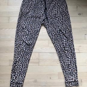 Liberte Essentiel bukser, str L, brugt et par gange.