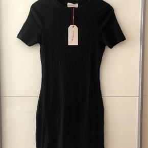 TWINTIP kjole