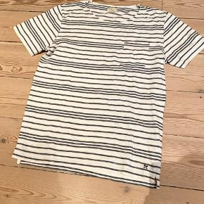 O Neck striped tee with pocket. Blue and cream. 100% cotton
