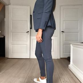 Bukserne er en str. Xxs men jeg passer dem fint og jeg er en str. 36