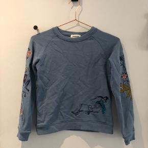 Super lækker sweatshirt fra Zadig & Voltaire i størrelse 138/10 år. Brugt én enkelt gang, så helt som ny. Nypris er 430,-
