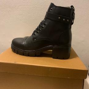 Støvler, str. 38, Urban Outfitters, Sort, Skind