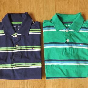 Varetype: 2 FEDE POLO T-SHIRTS (B25) **NY/SOM NY** Størrelse: M (8-10 år) Farve: Se billede Oprindelig købspris: 800 kr.  (B25)  2 fede polo T-shirts i superlækker kvalitet str. M (8-10 år)  fra TOMMY HILFIGER - NY/som NY, kan ikke huske om de i det hele taget har været brugt.  Nypris: 800-900,-  SÆLGES SAMLET TIL 275+ via mobilepay  Ønskes TS-handel betaler køber gebyr. (350 gram uden indpakning) Porto angivet som DAO-pakkepost.  *** SE OGSÅ MINE ANDRE ANNONCER ***