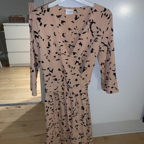 Den populære udgåede kjole 😍