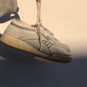 Retro Reebok sneakers, str 38,5 (lille i str), unisex.