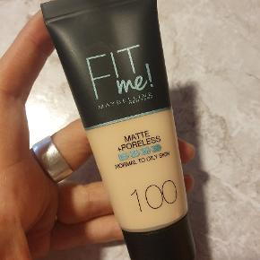 Fit me! Matte + poreless foundation. Normal to oily skin. 100 warm ivory
