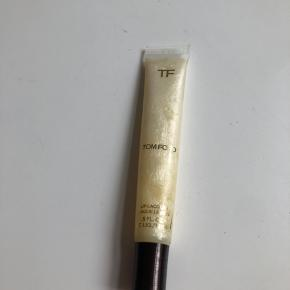 Tom Ford Lip Lacquer / Lip gloss / Highlight i lys glimmer farve.   Bytter ikke - Sender gerne - Fast pris med mindre der købes flere ting samlet🌿