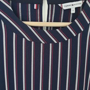 Ny kjole fra Tommy Hilfiger i str S.