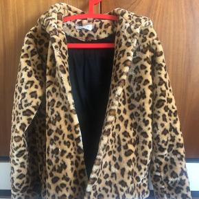 Glamorous pels- & skindjakke