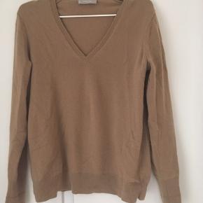 Smuk 100 cashmere sweater fra det bæredygtige amerikanske Everlane.