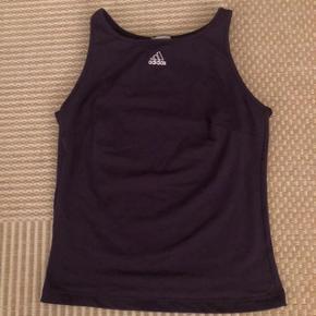 Adidas mørkelilla sportstop str 44
