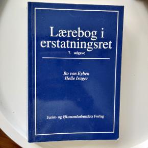 Studiebøger sælges billigt  Lærebog i erstatningsret 150 kr  Principles of microeconomics 300