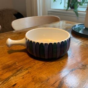 Keramik skål med håndtag  Blå stribet  Byd