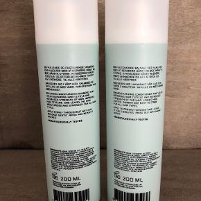 Nye og uåbnede  Rønsbøl Extra Care Shampoo 200 ml (Vejl. pris 169,-)  BESKRIVELSE Rønsbøl Extra Care Shampoo er en yderst plejende og fugtgivende shampoo, som virker reparerende på håret. Ved brug af denne shampoo styrker man håret, samtidig med at hårets tekstur forbedres. Få et stærkt, sundt og velplejet hår med Rønsbøl Extra Care Shampoo. Den kan bruges til alle hårtyper, og er selvfølgelig uden parabener, parfume og farvestoffer.  Fordele: * Plejende og fugtgivende shampoo * Reparerer håret * Styrker håret * Forbedrer hårets tekstur * Til alle hårtyper * Uden parabener, parfume og farvestoffer  Anvendelse: * Masseres ind i vådt hår * Skummes op * Skylles grundigt ud * Kan gentages hvis nødvendigt   Rønsbøl Extra Care Conditioner 200 ml (Vejl. pris 169,-)  BESKRIVELSE Rønsbøl Extra Care Conditioner er en fugtgivende balsam, som virker reparerende på håret. Den styrker håret, og efterlader det silkeblødt og skinnende. Ved brug af denne conditioner, vil man opleve at håret bliver lettere at rede igennem efter vask. Rønsbøl Extra Care Conditioner er velegnet til alle hårtyper, og indeholder selvfølgelig ingen parabener, parfume og farvestoffer.  Fordele: * Fugtgivende balsam * Reparerer håret * Styrker håret * Giver et silkeblødt og skinnende hår * Gør håret lettere at rede igennem * Til alle hårtyper * Uden parabener, parfume og farvestoffer  Anvendelse: * Masseres ind i nyvasket hår * Lad den virke 2 minutter * Skylles ud med vand