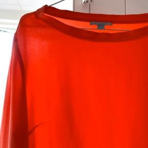 Den smukkeste COS bluse i 100 pct silke.  Brugt en enkelt gang.