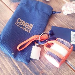Vild sød nøglering formet som en taske fra cavalli class FAST PRIS BYTTER IKKE