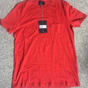 Super fin ny Tshirt  Nypris er 399