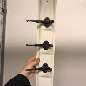 2 coat hangers - 50 dkk for each, negotiable 😊