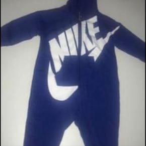 Nike buksedragt