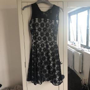 Henry Holland kjole
