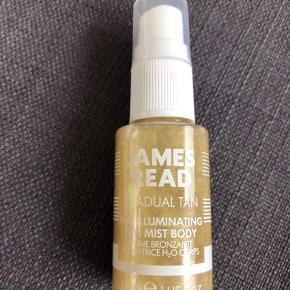 Tan mist Body 30 ml. Bronzer tanning produkt med lidt glimmer/guld effekt. Brugt én gang, se foto. Uden æske. Obs! De andre James Read er solgt.  50,- + fragt. Sender gerne med Dao for købers regning.  Bytter ikke.