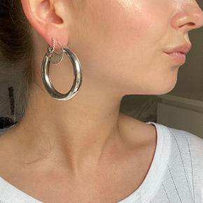 Urban Outfitters ørering