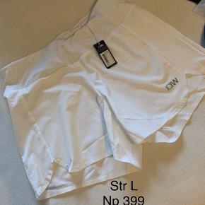 IcanIwill Shorts, Ny, med prismærke. Århus - Stadig med mærke i. IcanIwill Shorts, Århus. Ny, med prismærke, Aldrig brugt og stadig med prismærke. Har ingen skader eller tegn på brug