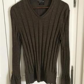 5f1c7a04 Varetype: Cashmere Silk Strik Farve: Brun Oprindelig købspris: 7000 kr.  Kvittering haves. Tom Ford Sweater