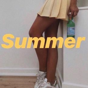 Sælger denne super fine nederdel. Købt på ts og aldrig brugt, da den ikke passer mig :) Kan hentes i kgs lyngby eller sendes med dao