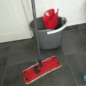 Rengøringsmåtte med spand