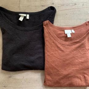 Hør / linnen tee's/ t-shirts fra H&M. Lækker kvalitet. Begge er brugt en enkelt gang.  2 stk. 135 kr