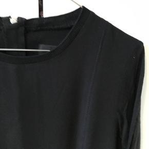 Kjole fra InWear i god stand.   Kan afhentes i København K eller sendes gennem handel på Trendsales 🌸  Se også mine andre annoncer  🌸