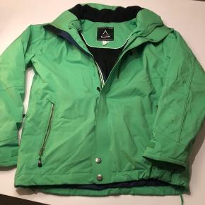 Grøn SOS jakke str m, brugt 2 skiferier og i fin stand.
