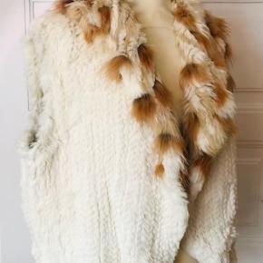 Kanin og ræve pelsvest super lækker kvalitet.