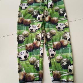 Molo bukser med print af fodbolde  Se også mine andre annoncer 😉