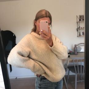 Sælger min sweater fra Mango✨ Tags: Ganni, nakd, zara, hm, brandy melville, shein, Vero moda