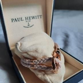 Bracelet from Paul Hewitt. In light pink leather & rosegold stainless steel. Never been used or even tried on. Perfect condition. Comes with original box.