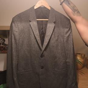 Blazer COS Brugt to gange, størrelse 52,  size L, afhentes i hestesko, eller jeg kan også sende, NY pris 1300 kr