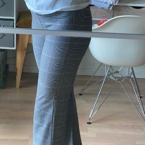 Super fede na-kd habitbukser.  Fitter mega godt😊  (sælges pga at jeg ikke får dem brugt)   #Secondchancesummer