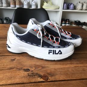 FILA DSTR97 43 400,- Sender med DAO