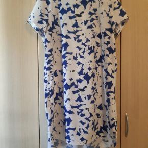 Smuk kjole fra H&M modern classic