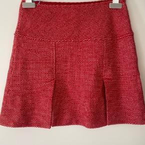 Super flot nederdel med sluser både for og bag