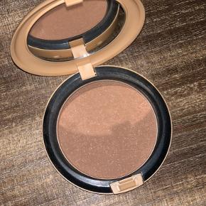 MAC Bronzing Powder Refined Golden Bronzer. Aldrig brugt, byd ❣️