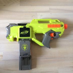 Nerf N-strike neon elite Rayven. Batteridrevet. Nypris 340