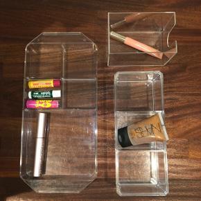 3x organizer ting til fx makeup God stand  Sender for 25 kr 50 for alle 3