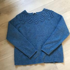 Isay sweater